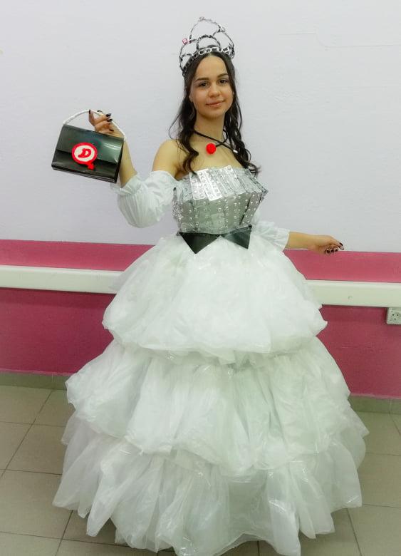 """СОУ """"Коста Сусинов"""" со свои претставници на """"Trash Fashion 2020"""""""